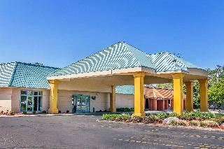 Quality Inn & Suites Banquet Center - Foto 1